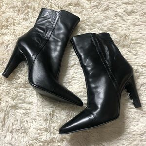 Black Naturalizer heeled boots
